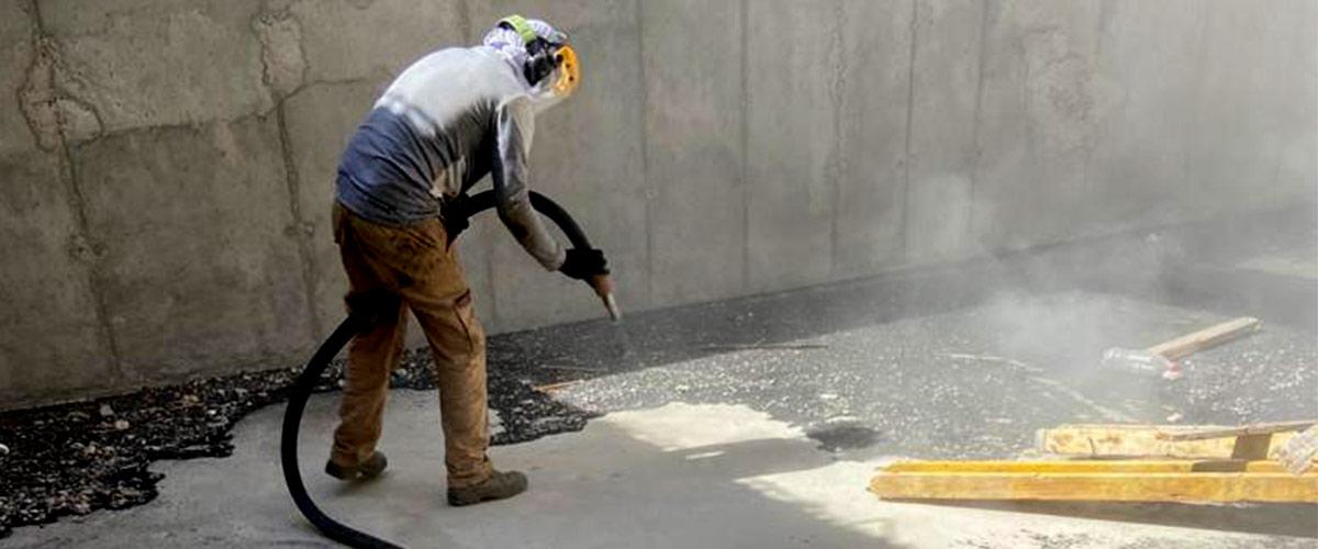 ניקוי תעשייתי בהתזת חול